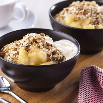Apple, pear and ginger crumble